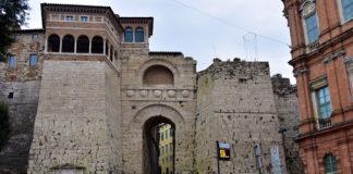 Arco Etrusco - il Rifugio Trekking